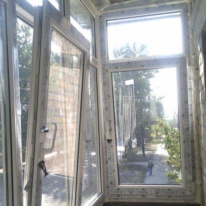 Установка балкона и металлопластиковых окон